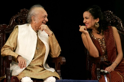music-ravi-shankar-with-daughter-anoushka