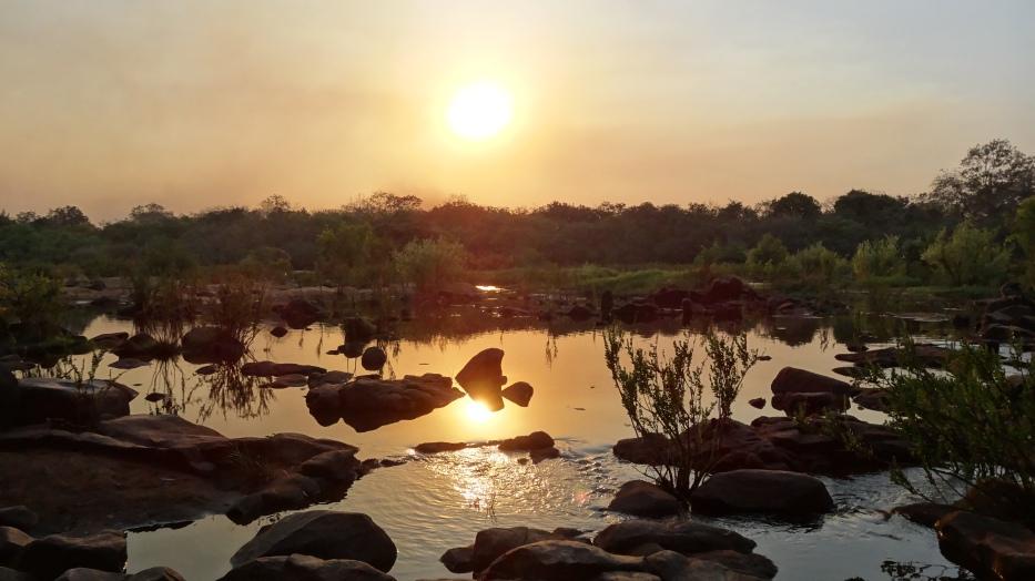 Atardecer en el río Niger