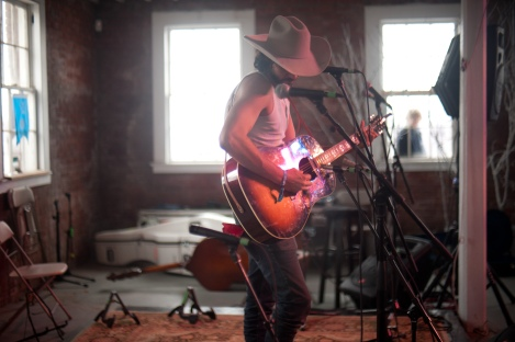Shakey Graves durante los talleres del festival © The Bluegrass Situation