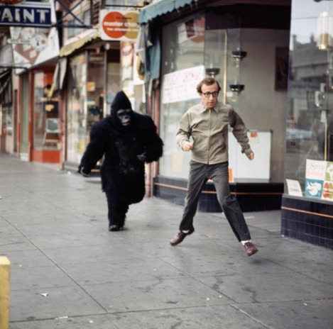Woody-Allen-chased-by-a-Gorilla