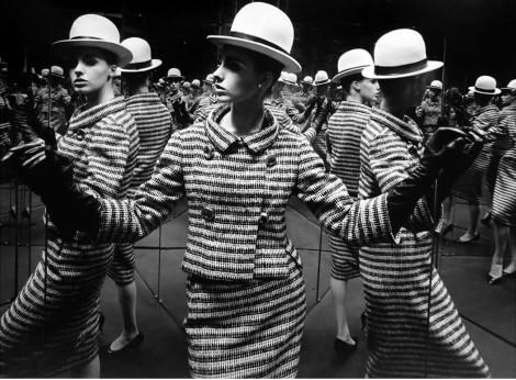 antonia-mirrors-paris-1962-william-klein