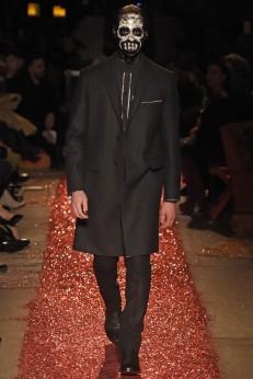 Givenchy | Giovanni Gianonni (WWD)